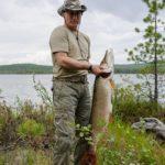 תמונות הדיג של פוטין מעוררות ספקות/ אליק לון, גרדיאן